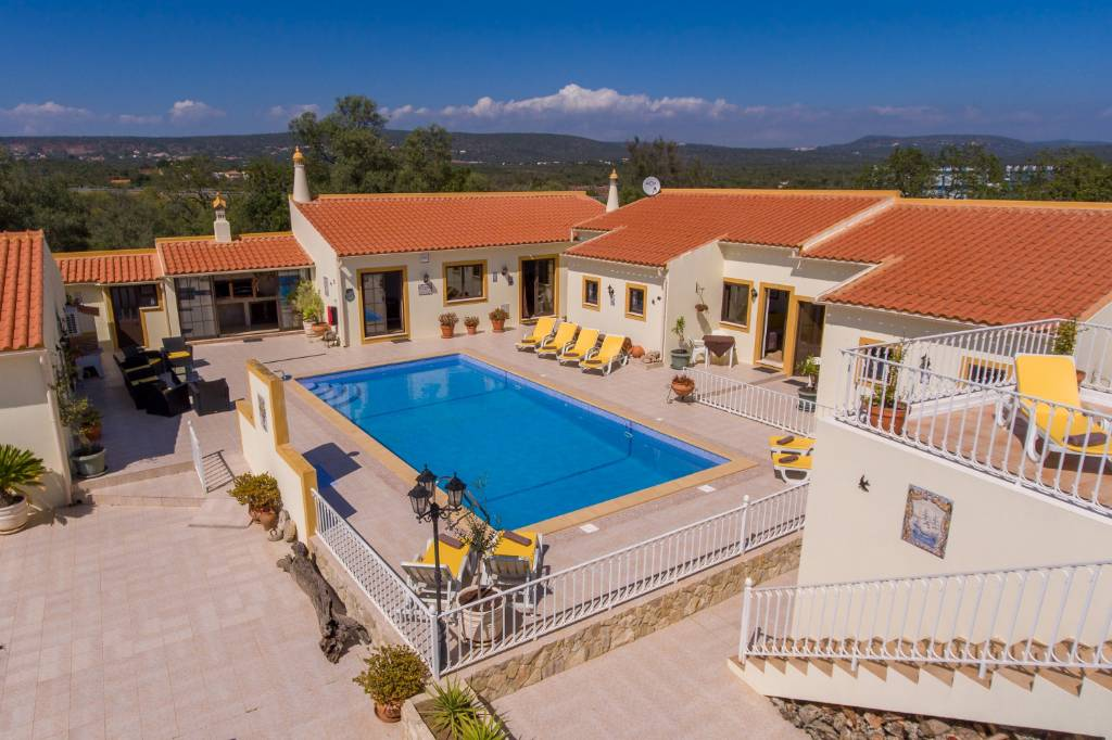 Chambre d`hôte Casa dos Ninos - Zentral gelegene Gästezimmer in der Algarve mit 6 moderne und komfortable Zimmer!, Sao Bartolomeu de Messines, Albufeira Algarve Portugal