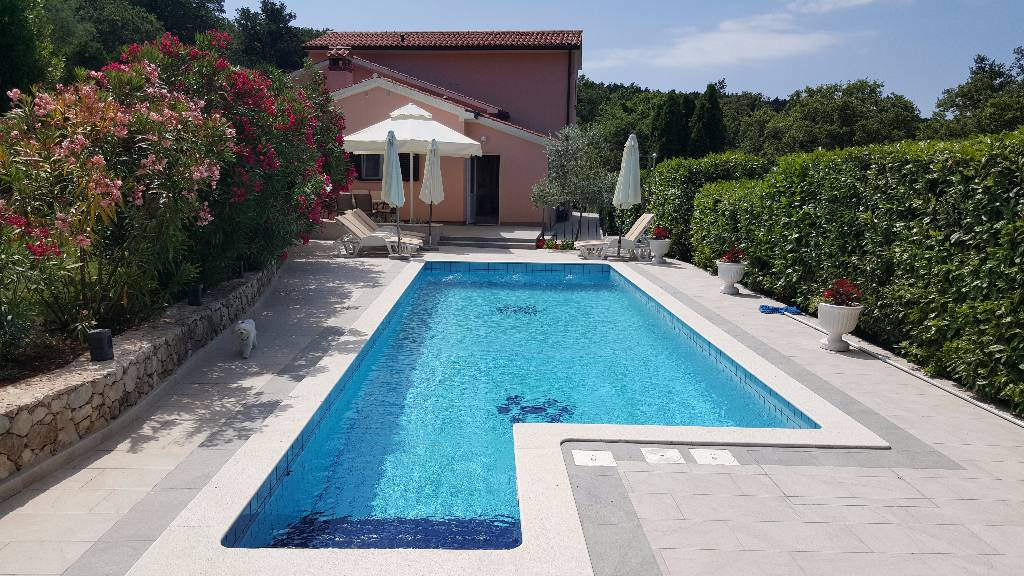 vila Villa **** ist eine attraktive moderne amerikanischen Stil Villa auf zwei Etagen, mit 130 m2, Ripenda Kras, Labin Istrien Südküste Chorvátsko