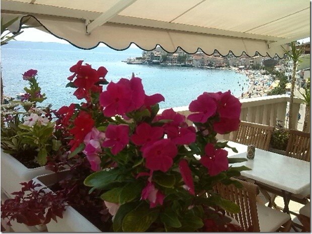 Villa MERI - 4 Wohnungen direkt am Strand,  mit Meerblick, die Größe / 105m2 + Terrasse 45m2- grill / , Igrane, Makarska Riviera Mitteldalmatien Croazia