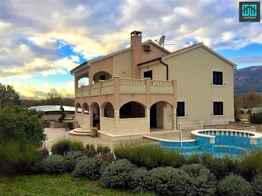 vila Luxeriose Villa Nada ruhiges Paradies mit Pool, Tennisplatz und Kegelbahn, Seget Gornji, Trogir Mitteldalmatien Chorvatsko
