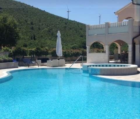 Villa Luxeriose Villa Nada ruhiges Paradies mit Pool, Tennisplatz und Kegelbahn, Seget Gornji, Trogir Mitteldalmatien Kroatie