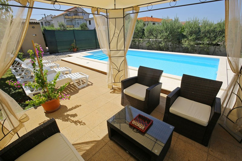 Vila Villa with heated swimming pool, 500 m away from the beach, Sukosan, Zadar Norddalmatien Kroatija