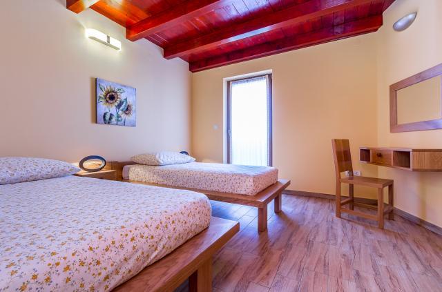 villa in loborika pula mit whirlpool hund erlaubt. Black Bedroom Furniture Sets. Home Design Ideas