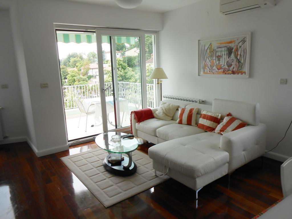 Apartment Icici Opatija Whirlpool Sea View - Whirlpool im wohnzimmer
