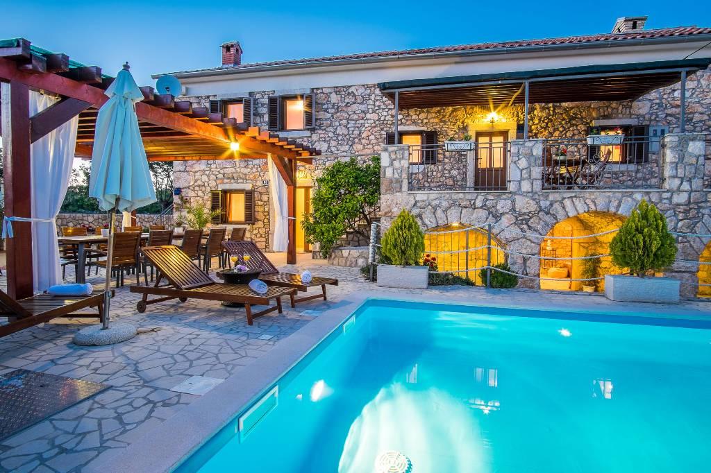 Villa in polje insel krk mit pool hund erlaubt for Kroatien villa mit pool