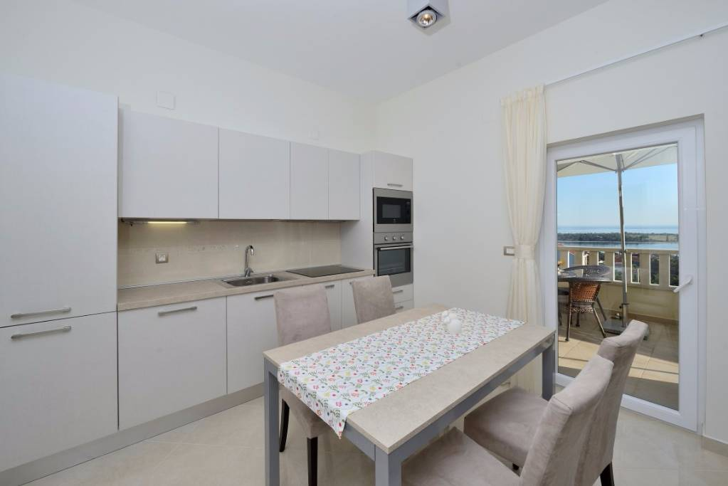 A4, Kitchen, dinning room with sea view  terrace 2+2