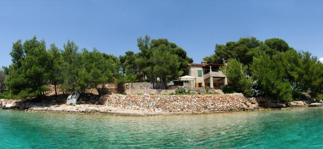 Villa in milna insel brac mit boot pool bootsliegeplatz for Kroatien villa mit pool