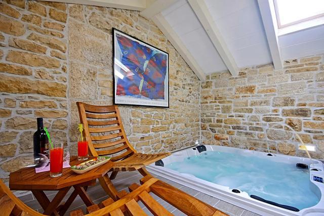 Villa Kastelir Porec Whirlpool Boat Private Pool